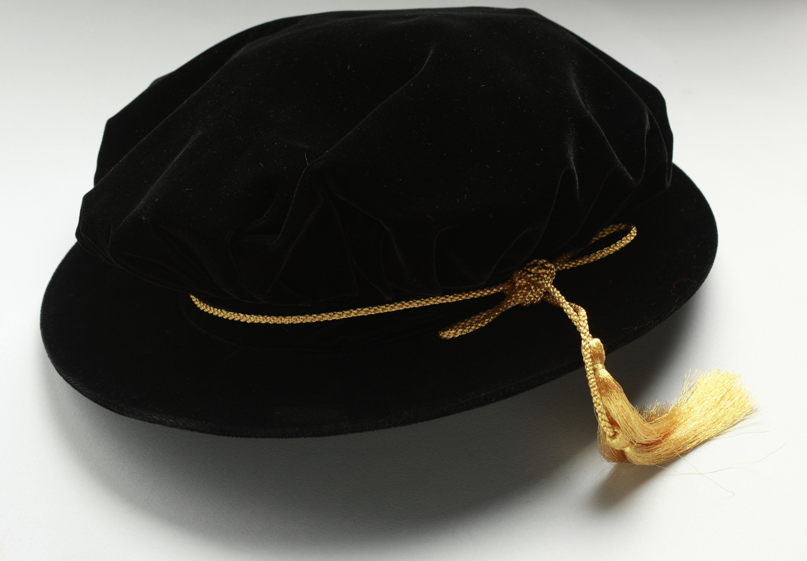The University Of Sydney Alumni Estore Bonnet Black Velvet
